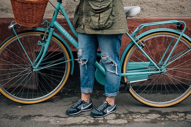 starý model jízdního kola