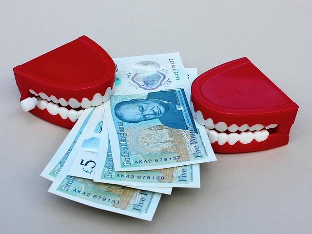 přetahování o peníze