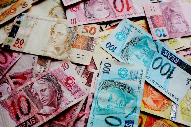 rozložené bankovky