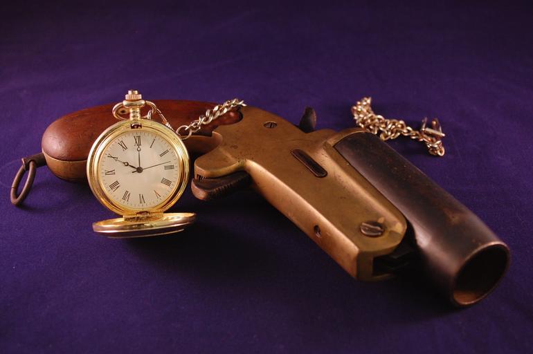 Hodinky s pistolí