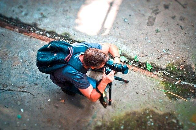fotící muž